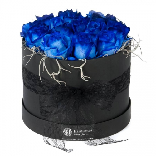 Box with blue roses