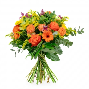 Bouquet with roses, gerberas and solidago