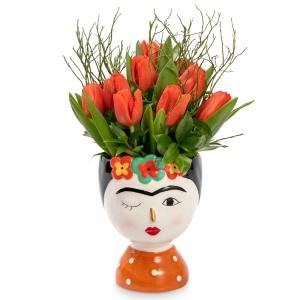 Frida Kahlo βάζο με τουλίπες