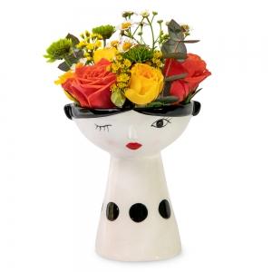 Τριαντάφυλλα, χαμομήλι και ευκάλυπτος σε ένα όμορφο προσωπάκι